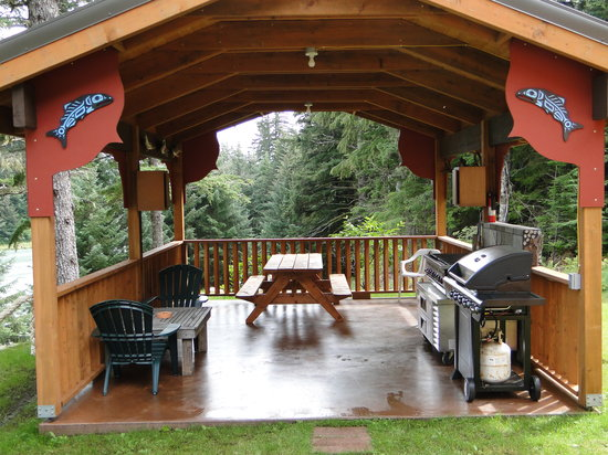 Chilkoot Haven: BBQ area