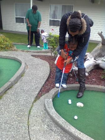 Quality Inn - Ocean Shores: Some oif my relatives stop by for golf
