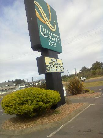 Quality Inn - Ocean Shores: Quyality Inn sign