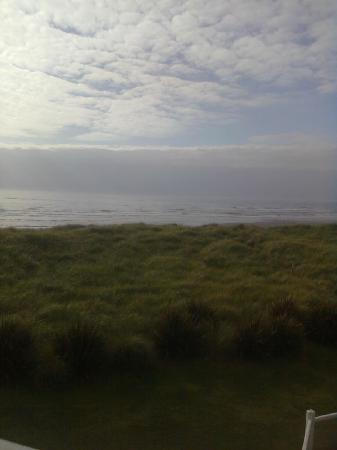 Quality Inn - Ocean Shores: Cloudy day but the seascape was still beautiful