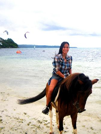 Boracay Horse Riding Stables : finally arriving at Bulabog Beach