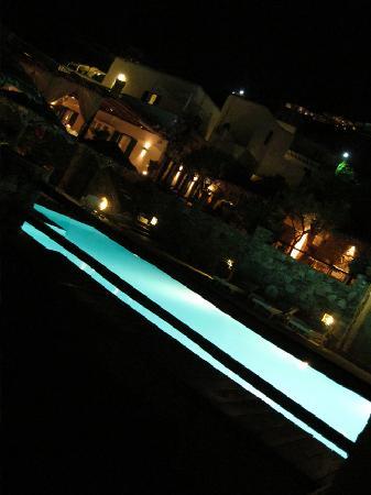 Apollonia Hotel & Resort: ristorante sopra la piscina