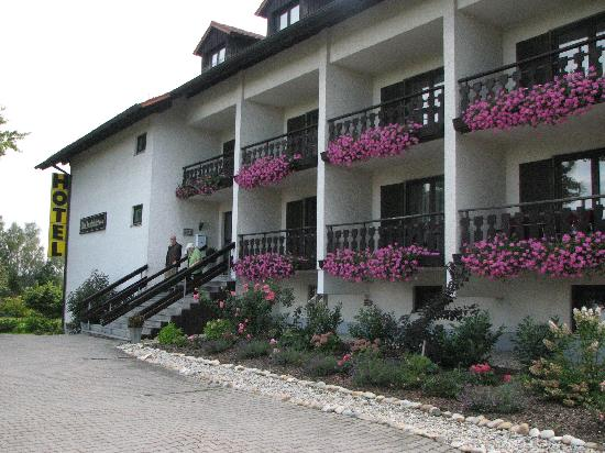 Neuhaus am Inn, Allemagne : Voorzijde Apparthotel Alte Innbrucke