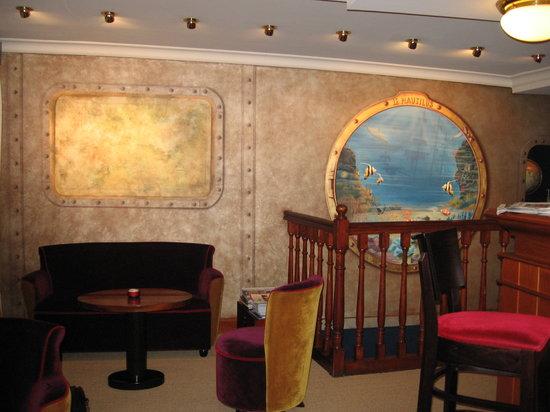 Hôtel Le Nautilus: Réception de l'hotel