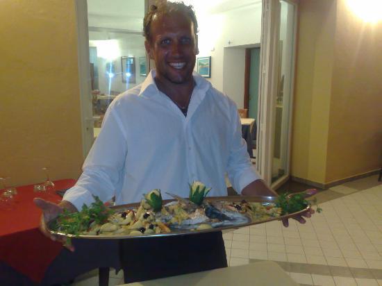 Hotel Villaggio dei Pescatori: Marco....voilà..pescato e mangiato!!