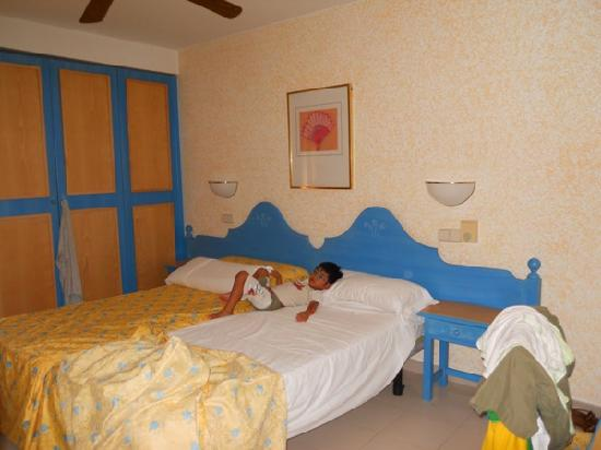 Royal Son Bou Family Club: Camera da letto