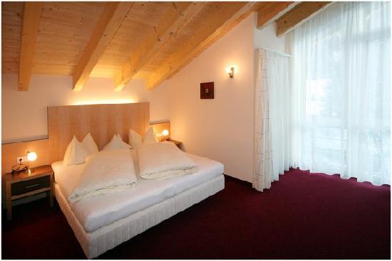 Haus Sonneneck: Doppelzimmer im Apartment Fascha