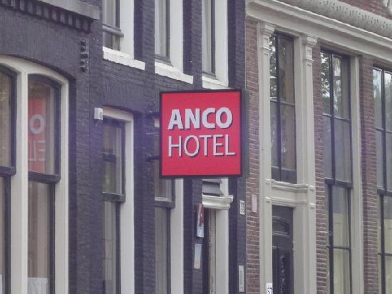 Anco Hotel: easy to find :-)