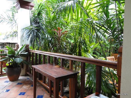 Lotus Villa Boutique Hotel : Balcony and garden
