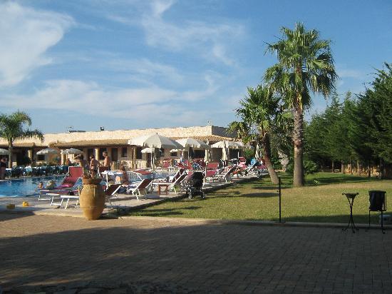 Hotel Masseria Le Pajare: giardino