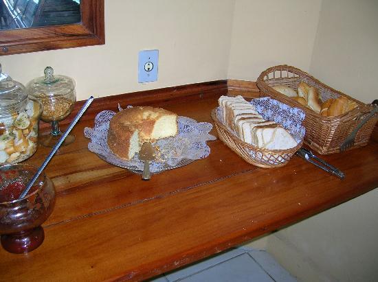 Pousada Nova Villa Tortuga: desayuno muy pobre.