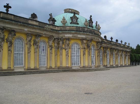 Inselhotel Potsdam : Schloß Sansouci