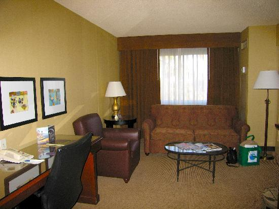 bedroom picture of sheraton fairplex hotel conference. Black Bedroom Furniture Sets. Home Design Ideas