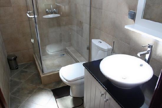 Lagon Bleu Azur: Une salle de bain