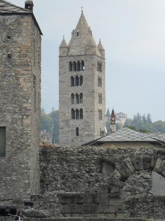 Aosta, Italia: campanile di sant'orso