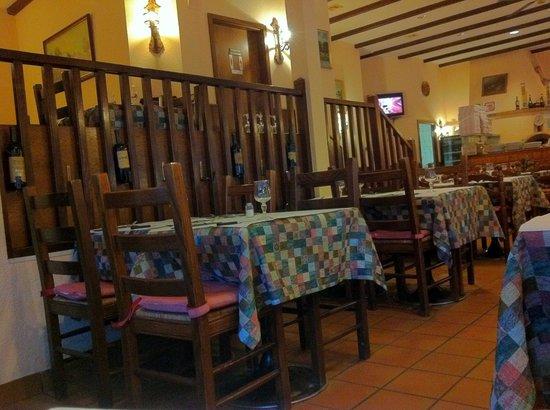 Il Fornello Napoletano : Comfortable Dining Room