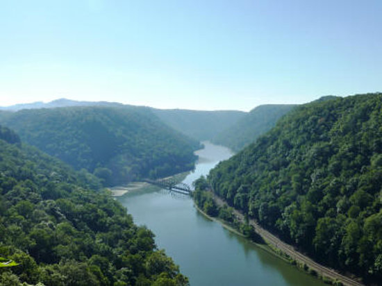 Midland Trail National Scenic Byway : Hawk Nest State Park Overlook