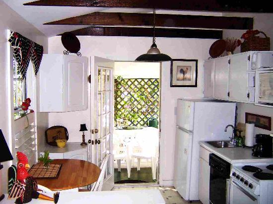 Jasmine House Treetop Kitchen and entry