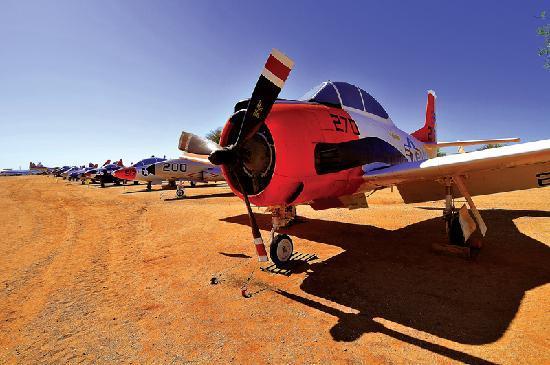Τούσον, Αριζόνα: Over 100 years of Aerospace history and 300 aircraft on 80 acres can be explored at the Pima Air