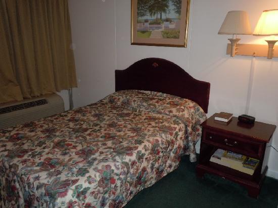 Vienna Wolf Trap Hotel: bed 1