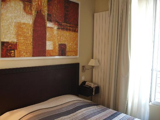 Tingis Hotel  Paris  Fransa  - Otel Yorumlar U0131 Ve Fiyat Kar U015f U0131la U015ft U0131rmas U0131