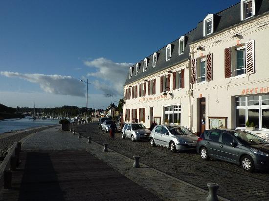 Environnement imm diat photo de h tel du port et des - Hotel du port et des bains saint valery sur somme ...