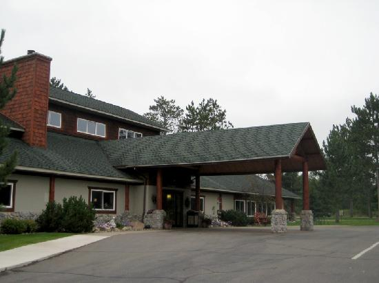 ‪‪AmericInn by Wyndham Pequot Lakes‬: Hotel outside‬