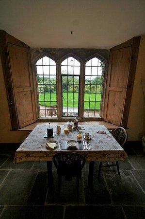 Deerhurst Bed & Breakfast: breakfast in the manor house