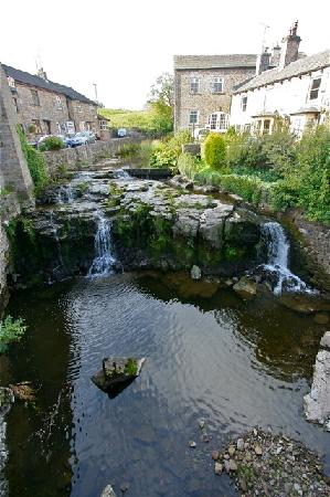 Old Station House: waterfall in hawes