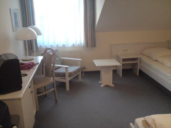 Hotel Filderland: Bedroom 2