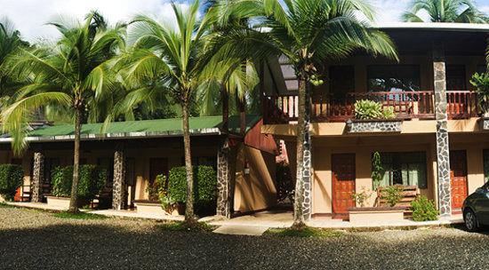 Hotel Los Almendros: Rooms outside