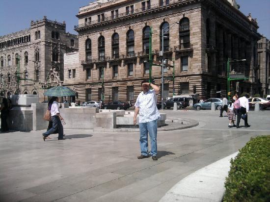 Hotel Catedral: EN EXPLANADA EXTERIOR BELLAS ARTES