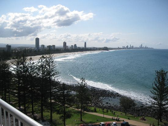 Hillhaven Holiday Apartments: View from the balcony to the north