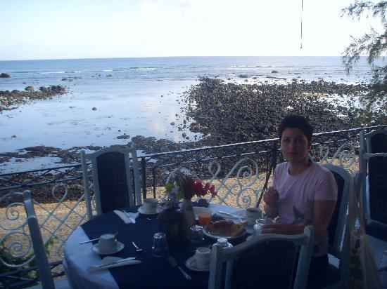 Oasis Beach Club: Vista sala da pranzo