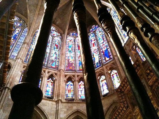 León, Spagna: le vetrate della cattedrale