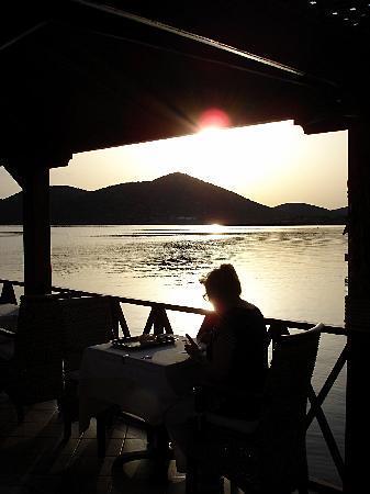 Akti Olous Hotel: Petit-déjeuner au Blue Sea Restaurant