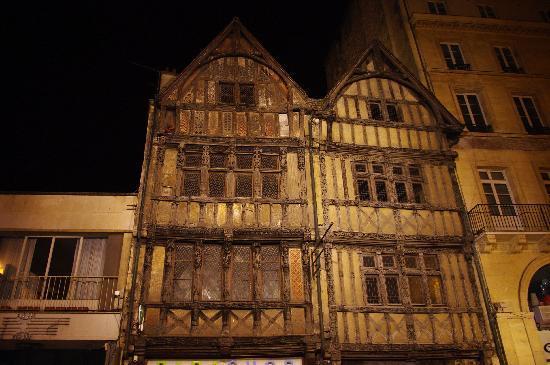 Caen, Francia: Casa a graticcio