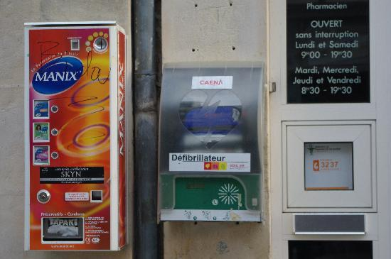 Caen, France: Servizi offerti dalla farmacia (come sono avanti!)