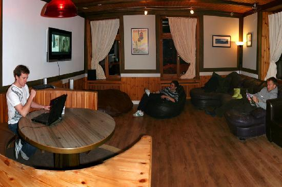 The Lodge: Lounge
