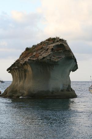 Isola d'Ischia, Italy: Isola Ischia _ Lacco Ameno il Fungo