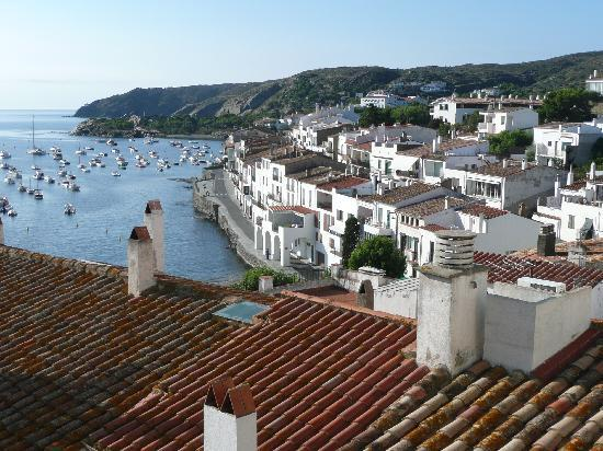 Cadaqués, Spanien: view from the outside the church
