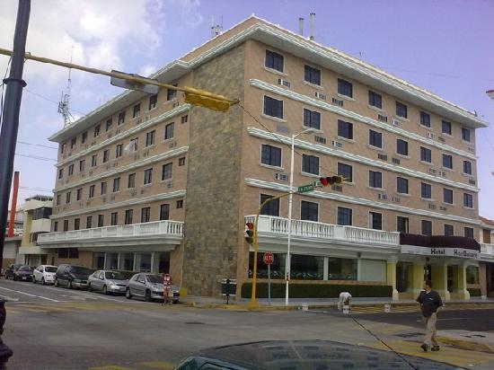 Hotel Baluarte: Main building