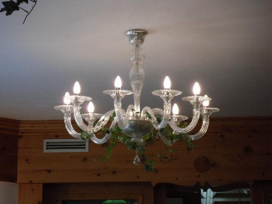 lampadario sala da pranzo - Foto di Hotel Posta, Livigno - TripAdvisor