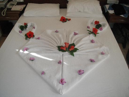 Karbel Hotel: Our Bed