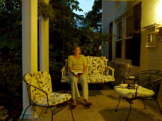 A Bed and Breakfast at Llewellyn Lodge: Relaxing on the porch
