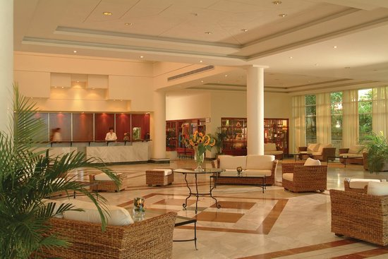 Nissi Beach Resort : Lobby