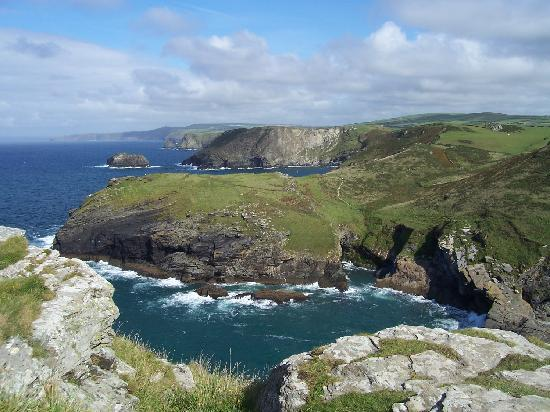 Bossiney House Hotel: Just one beautiful view from Tintagel Castle, Cornwall. Sept 2010