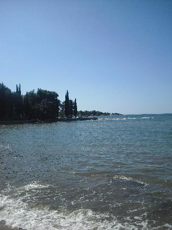 Umag, Croacia: Der Strand.