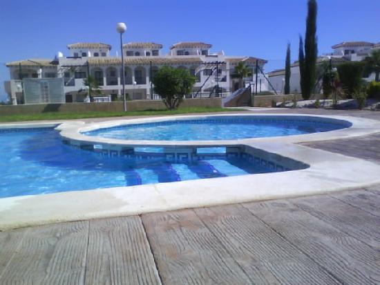La Cinuelica: 1 of two pools