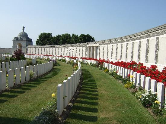 Flanders Battlefield Tours: An unscheduled visit to Tyne Cot Cemetery